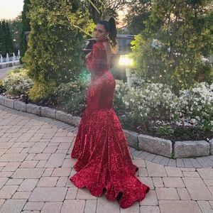 red LIASTUBLLA sprinkling prom dress